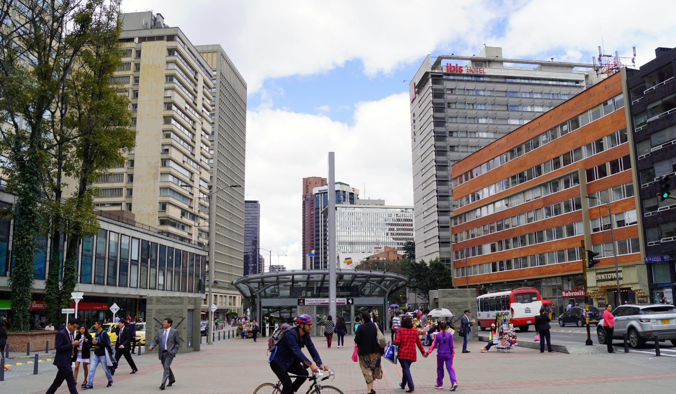 como montar un bar en Bogotá