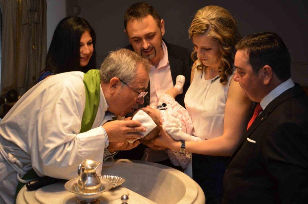 requisitos-para-ser-padrino-de-bautizo-1