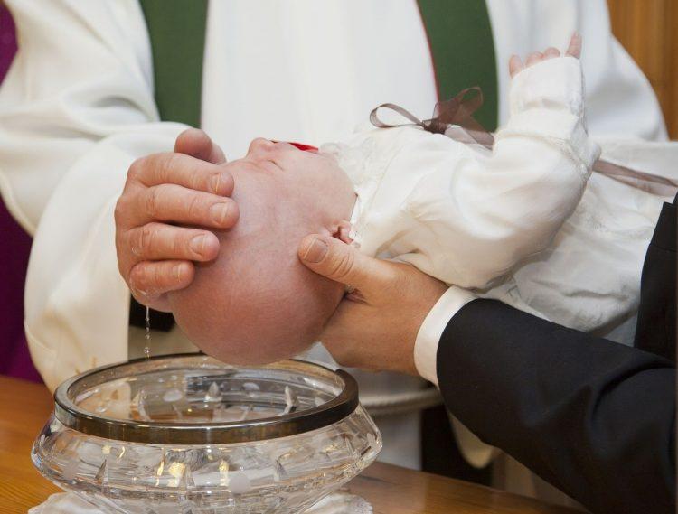 requisitos para bautismo católico