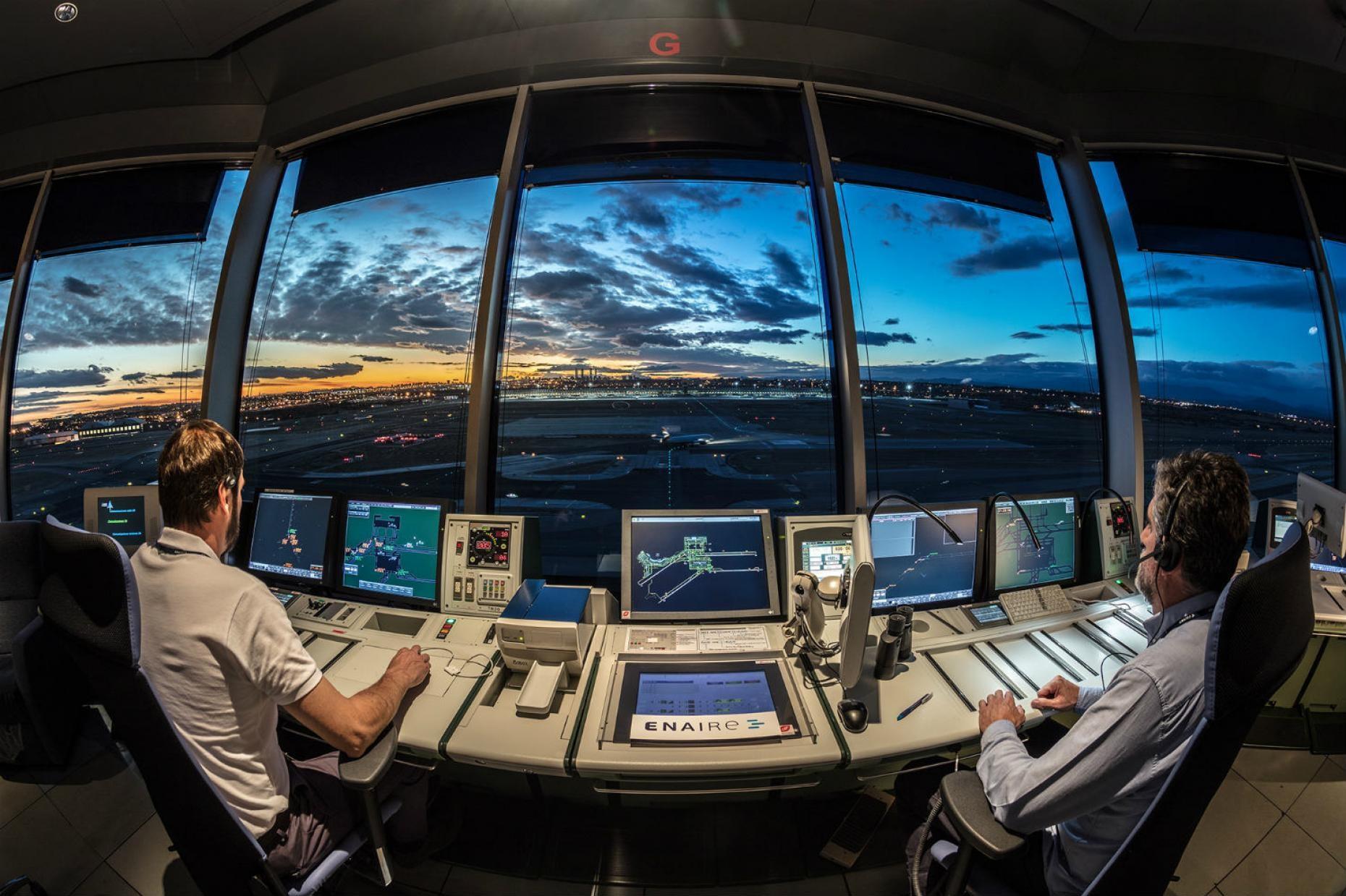 controlador-aereo-2